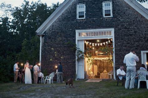 The Barn Hours Maine Barn Weddings Maine Farm Weddings A Sweet Start
