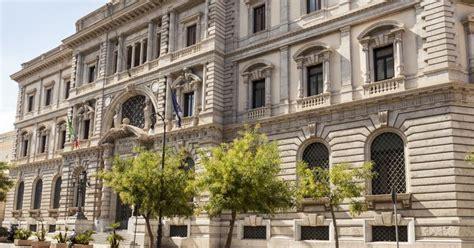 banco di sicilia 24 ore d italia in sicilia l economia 232 ferma il sole 24 ore