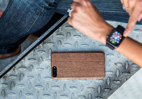 One Strong World L0712 Iphone 7 Plus Casing Premium Hardcase woodline slim strong wooden iphone 7 plus 8 plus