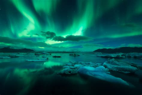 packages to iceland for the northern lights 4 day package to the ice cave jokulsarlon northern