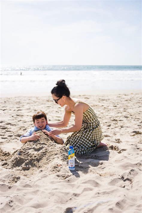 allergic reaction to banana boat tanning oil summer fun family kids outdoor mom life banana coat