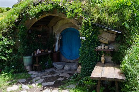 hobbit house pictures file hobbit hole jpg