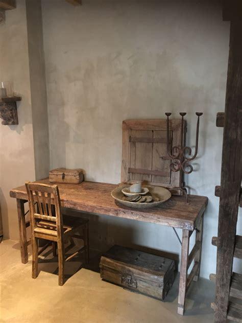 buro woonkamer stoere oude houten sidetable buro bureau klaptafel