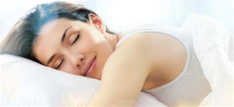 Ibu Tidak Memakai Celana Dalam ternyata ini manfaat tidur tanpa celana dalam artikelnya baca disini ya gaes 1001