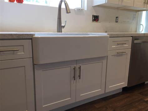 full overlay shaker cabinets white shaker full overlay kitchen cabinets with quartz