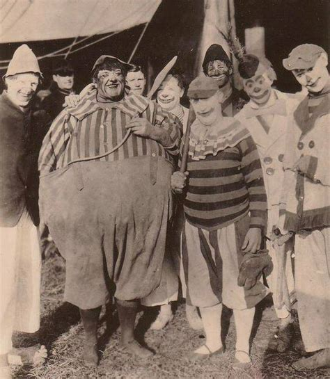 these old creepy circus photos are no laughing matter 20 pics izismile com