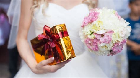 generic gift ideas 12 special wedding gifts better than generic registry