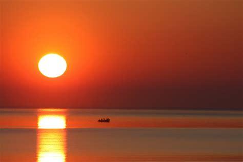 ufficio collocamento alba l alba di nuovi giorni il tramonto di un giorno