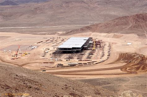 tesla battery factory nevada tesla gigafactory new photos show progress on battery