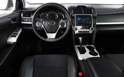 2013 Camry Interior by 2013 Honda Accord Sport Vs Toyota Camry Se Vs 2014