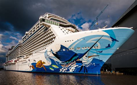qi boat vs ship norwegian escape almost ready for her debut 2048 x 1362