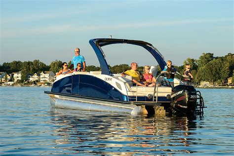 best pontoon boats best 25 best pontoon boats ideas on pinterest pontoons