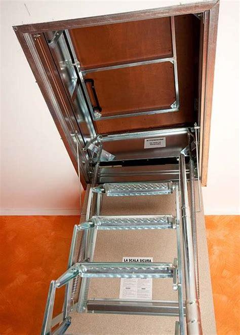 scala per soffitta scala retrattile a pantografo per terrazzo scala botola