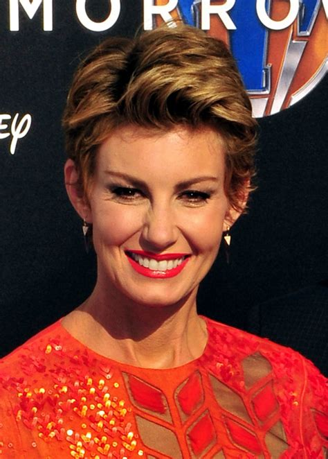 faith hill short hair 2015 25 more short hairstyles