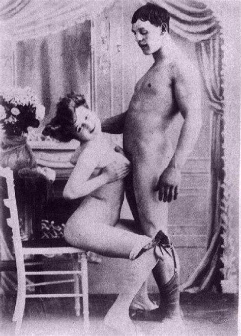 Amateur Girls Getting Screwed In Vintage Photos