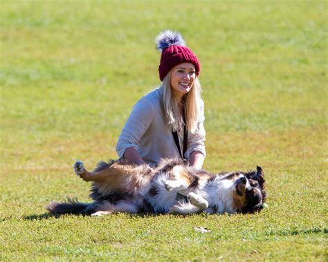 play with dogs hilary duff archives page 23 of 62 hawtcelebs hawtcelebs
