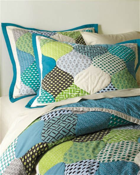 Garnet Hill Quilt by Groovy Hourglass Quilt Quilts And Quilt Sets By Garnet Hill
