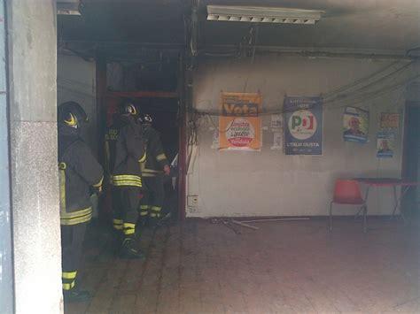 sede la repubblica roma foto prati la sede pd sel distrutta dalle fiamme 1 di 5