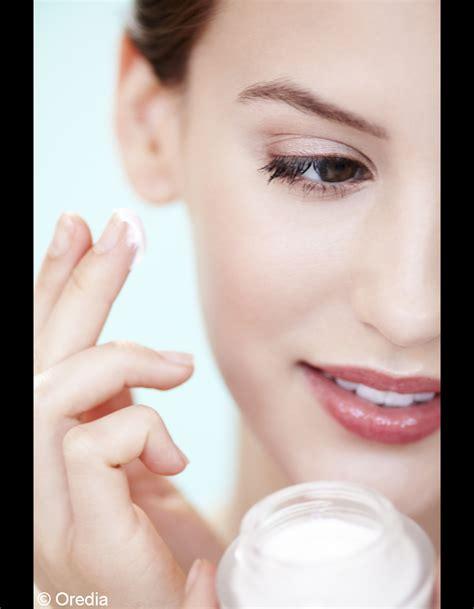 2 ne pas hydrater sa peau avant de se maquiller alerte