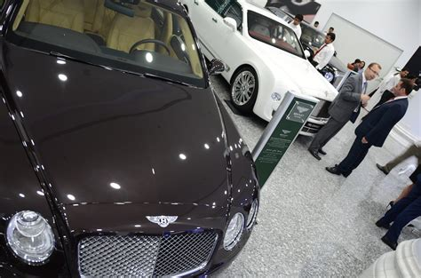 bentley opens middle east s pre owned showroom in