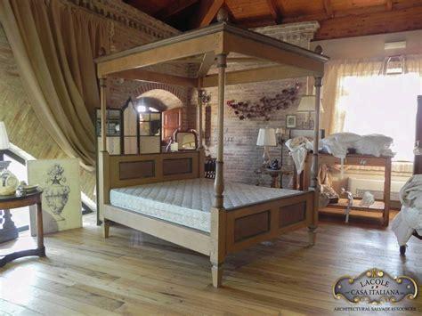 letti a baldacchino in legno letto a baldacchino in legno lacole casa italiana
