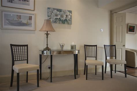 quinns of glasthule funeral home viewing seating area