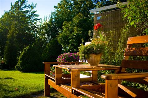 how to make my backyard beautiful landscaping lawn maintenance tips how to maintain your