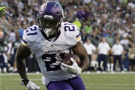 jerick mckinnon named vikings' starting rb after adrian