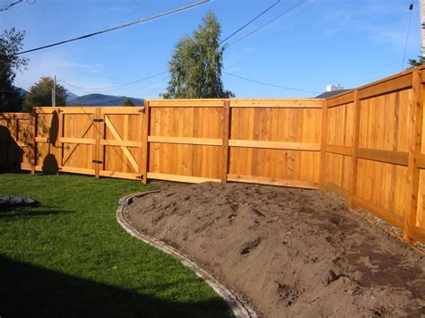 building a backyard fence building a fence signing contract redflagdeals com forums