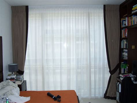 Bow Window Curtains 23mm white silent gliss metropole fitted in central london
