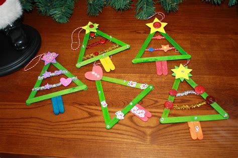 easy toddler ornaments crafts for toddlers happy holidays