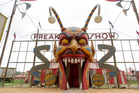 american horror story freak show episode 5 recap what you see isn t what you get huffpost american horror story freak show recap episode 13 quot curtain call collider