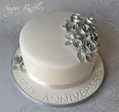 wedding anniversary cake silver wedding anniversary cake and cupcakes