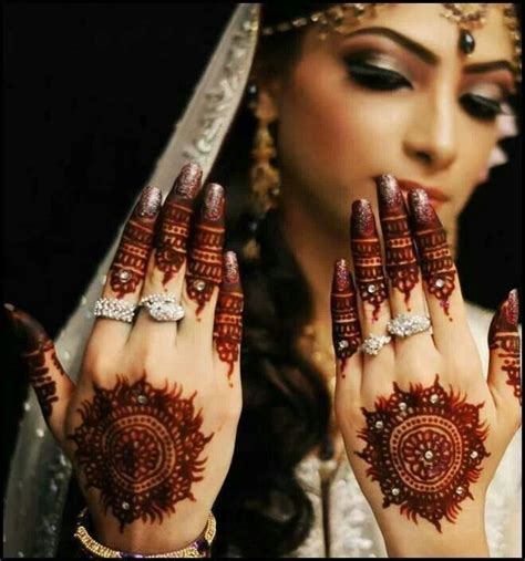 15 mehandi or henna circle designs with photos