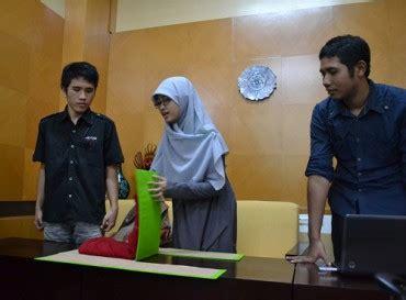 Baju Imlek Jogja karya mahasiswa alat pelipat baju ringankan usaha laundry news 187 harian jogja