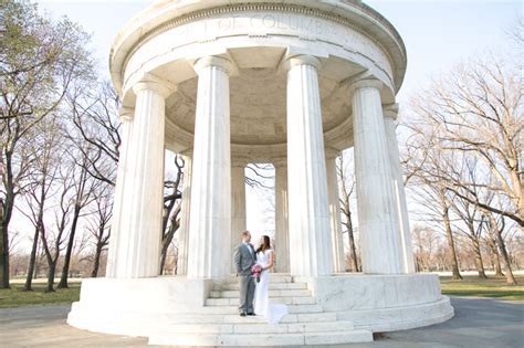 DC War Memorial Picnic Wedding   United With Love