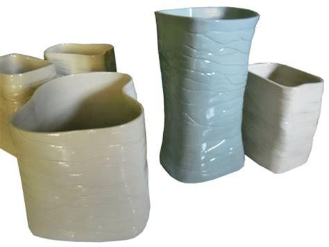 Vas Bunga Keramik Model Botol Ulir gambar vas bunga keramik vas bunga besar keramik souvenir
