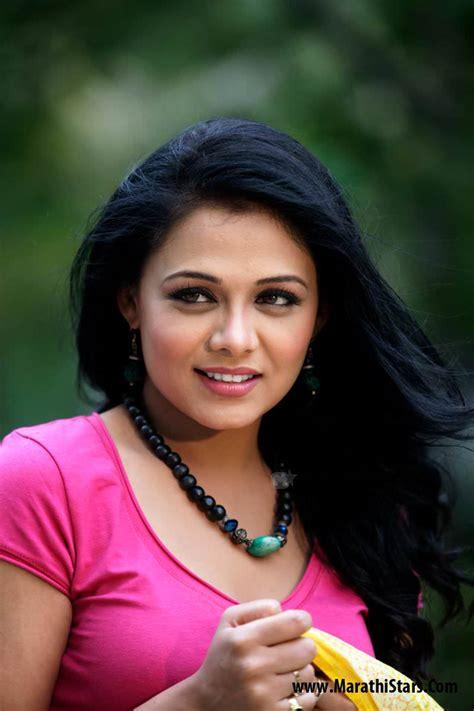 marathi stars prarthana behere marathi actress photos biography
