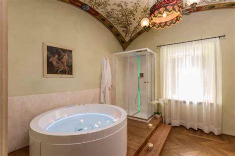 soggiorno romantico toscana pacchetto soggiorno romantico siena weekend romantico