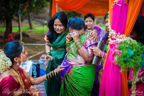 pictures of a marathi wedding maharashtrian wedding - Maharashtrian Wedding Album Design