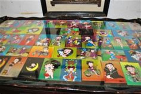 betty boop on betty boop coffee table