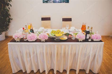 decorar mesa de boda mesa para los novios decoraci 243 n mesa boda foto de stock