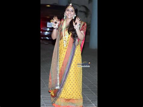 7 Worst Fashion Disasters Of The Decade by Mehendi Saree Photos Pics 239158 Boldsky Gallery