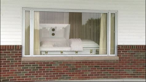 funeral home gives a drive thru viewing option nbc news