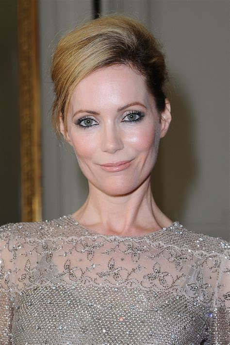 leslie mann short hair leslie mann french twist french twist lookbook stylebistro