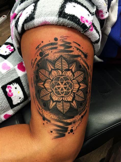 tattoo mandala bein tattoo el color solido