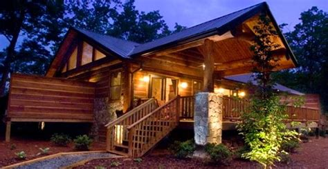 The Treehouses Watershed Cabins Are A Collection Of Watershed Luxury Log Home Rentals