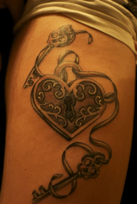 couple heart and key locket tattoos best 25 lock ideas on lock key