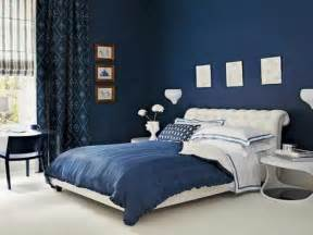 blue and white modern bedroom design with big bedroom size