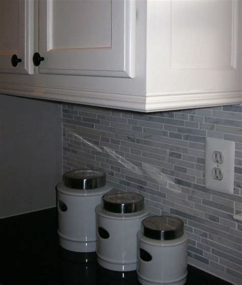 add molding to kitchen cabinets adding moldings to your kitchen cabinets nice the o jays and kitchen cabinets